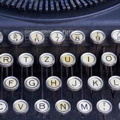typewriter-464746_960_720